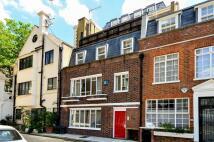 2 bedroom Mews to rent in Stanhope Mews East...
