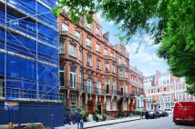 2 bed Flat to rent in Kensington Court...