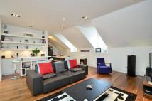 2 bedroom Flat in Roland Gardens...