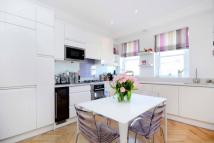 Flat for sale in Clarendon Road...