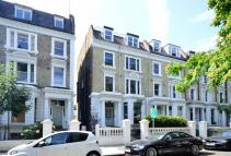 2 bed Maisonette in Elsham Road...