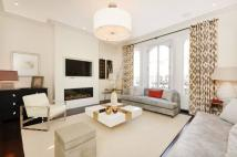 Flat for sale in Westbourne Grove...