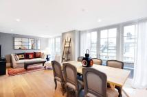 2 bedroom Flat in Newton Road...