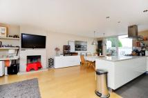 2 bedroom Flat for sale in Leamington Road Villas...