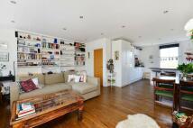 2 bedroom Maisonette in St Helens Gardens...