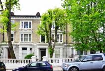 5 bedroom Maisonette in Elsham Road...