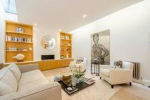 3 bed home in Dukes Lane, Kensington...
