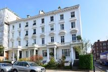 Flat to rent in Argyll Road, Kensington...