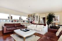 Flat for sale in Kilburn Lane...