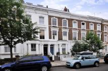 Flat to rent in Chesterton Road...