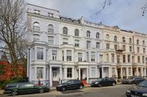 2 bedroom Flat to rent in Powis Square...