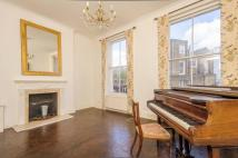 Maisonette to rent in Bevington Road...