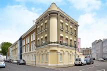Flat to rent in Penzance Place...