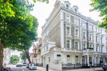 Flat to rent in Linden Gardens...