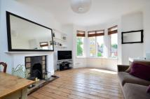 St Quintin Avenue Flat to rent