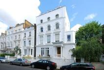 Flat to rent in Pembridge Crescent...