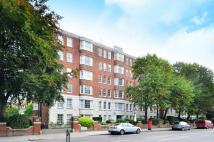Flat in Kensington Park Road...