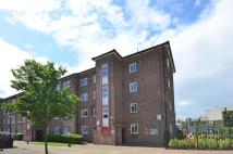 Flat to rent in Walmer Road...