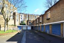 Flat to rent in Alexander Mews...