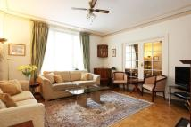 3 bedroom Flat in Kensington High Street...