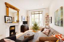 Flat to rent in Ladbroke Grove...