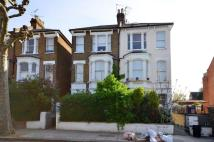 Studio flat to rent in Highlever Road...