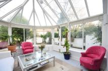 4 bed Flat for sale in St Quintin Avenue...