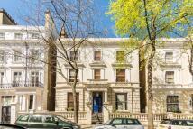 2 bedroom Flat to rent in Pembridge Gardens...