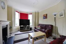 4 bed home to rent in Lysia Street...