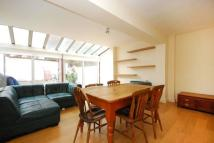 4 bed Maisonette to rent in Bovingdon Road, Fulham...