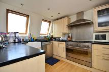 Flat to rent in Stephendale Road...