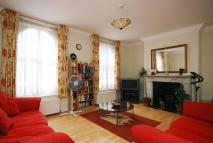 3 bed Flat in Harwood Road...