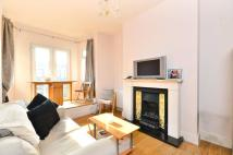 Flat to rent in King's Road...
