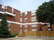 3 bedroom Maisonette in Bethnal Green E2.