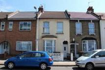 Flat to rent in Manor Park E12