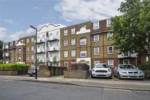 Flat to rent in West Ham E15