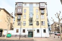 Flat to rent in Royal Docks E16