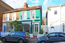 3 bed property to rent in Grove Place, Acton...