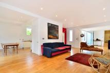 3 bed home in Strand On the Green...