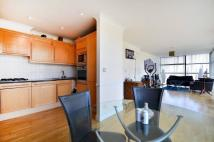 2 bed Flat to rent in Ferry Lane, Brentford...