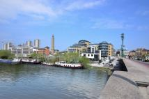 Flat for sale in Kew Bridge, Brentford...