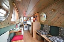 House Boat in Kew Bridge, Brentford to rent
