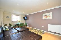2 bedroom Flat to rent in Amelia Close, Acton, W3