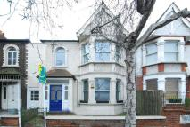 2 bedroom Maisonette in Cedars Road, Grove Park...