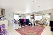 2 bed Flat in Thames Crescent...
