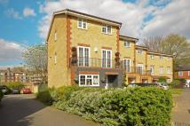 4 bed property for sale in Worcester Drive...