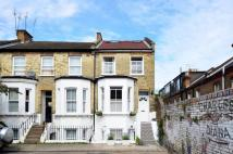 3 bedroom property to rent in Coombe Road...