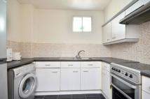 1 bed Flat to rent in Kingswood Terrace...