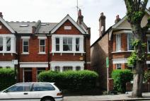 3 bed Flat for sale in Thorney Hedge Road...