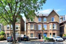 3 bedroom Flat in Burlington Road...